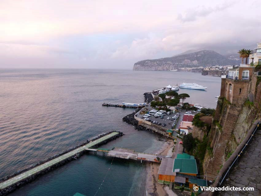 Port a la Piccola Marina de Sorrento