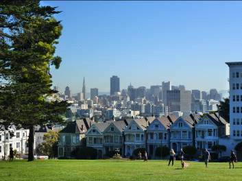 Alamo Square - Painted Ladies i vista de SF