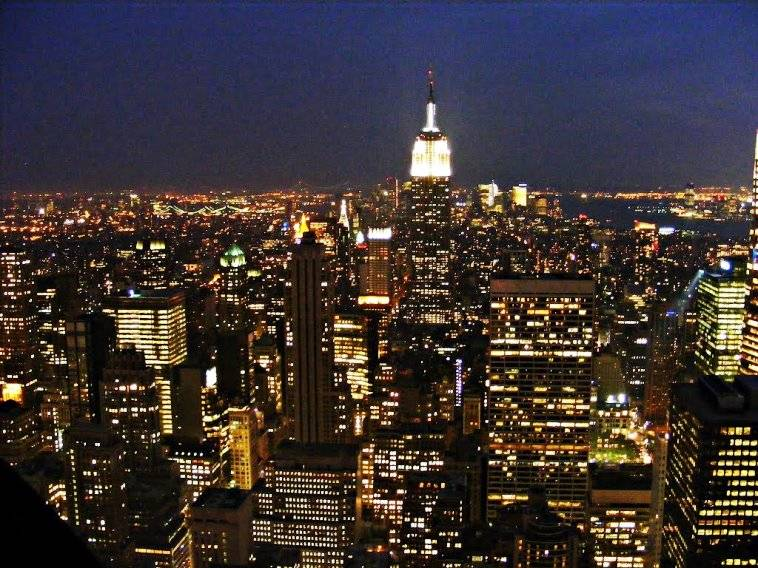 Vista nocturna de Nueva York desde el Top of the Rock