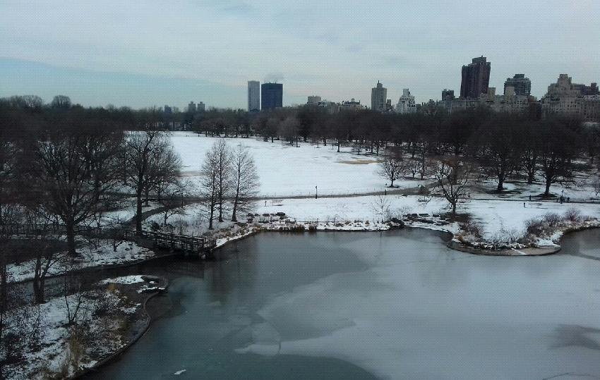 The Lake y Central Park bajo la nieve (Nueva York)